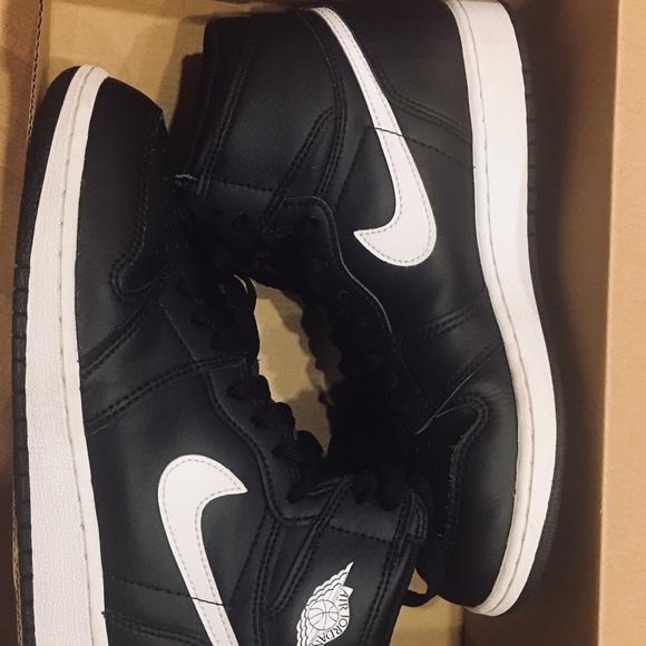 Nike Shoes | Size 6 Boysnike Jordan Air